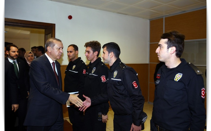 cumhurbaskani-erdogan-cevik-kuvvet-sube-mudurlugunu-ziyaret-ettibursa-haber-3