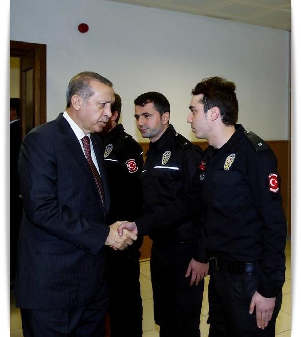 cumhurbaskani-erdogan-cevik-kuvvet-sube-mudurlugunu-ziyaret-ettibursa-haber-4